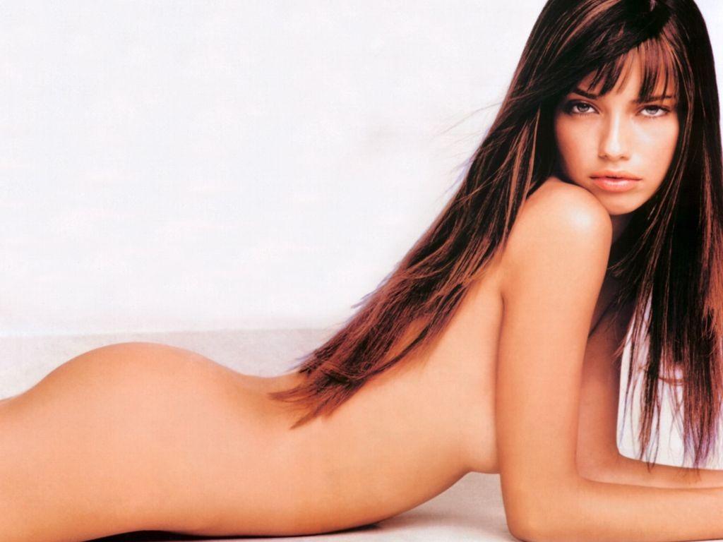 Adriana Lima la super modelo brasileña.