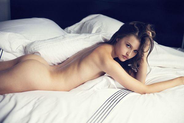 La guapa Lexi Wood desde el mundo del modelaje.